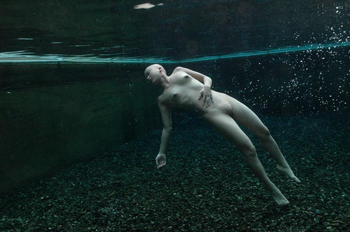 Enf-cmnf-atrapado-desnudo-video-vestido-hombre